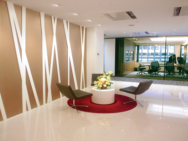 Beautiful entrances to offices and buildings with topnotch for Small office entrance design